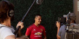 manchester united player alexis sanchez